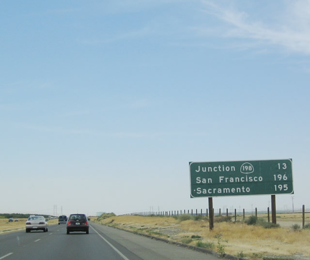 california aaroads northbound interstate 5 in fresno county. Black Bedroom Furniture Sets. Home Design Ideas