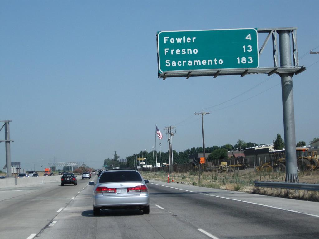 Distance from Fresno to Sacramento - Distance Calculator