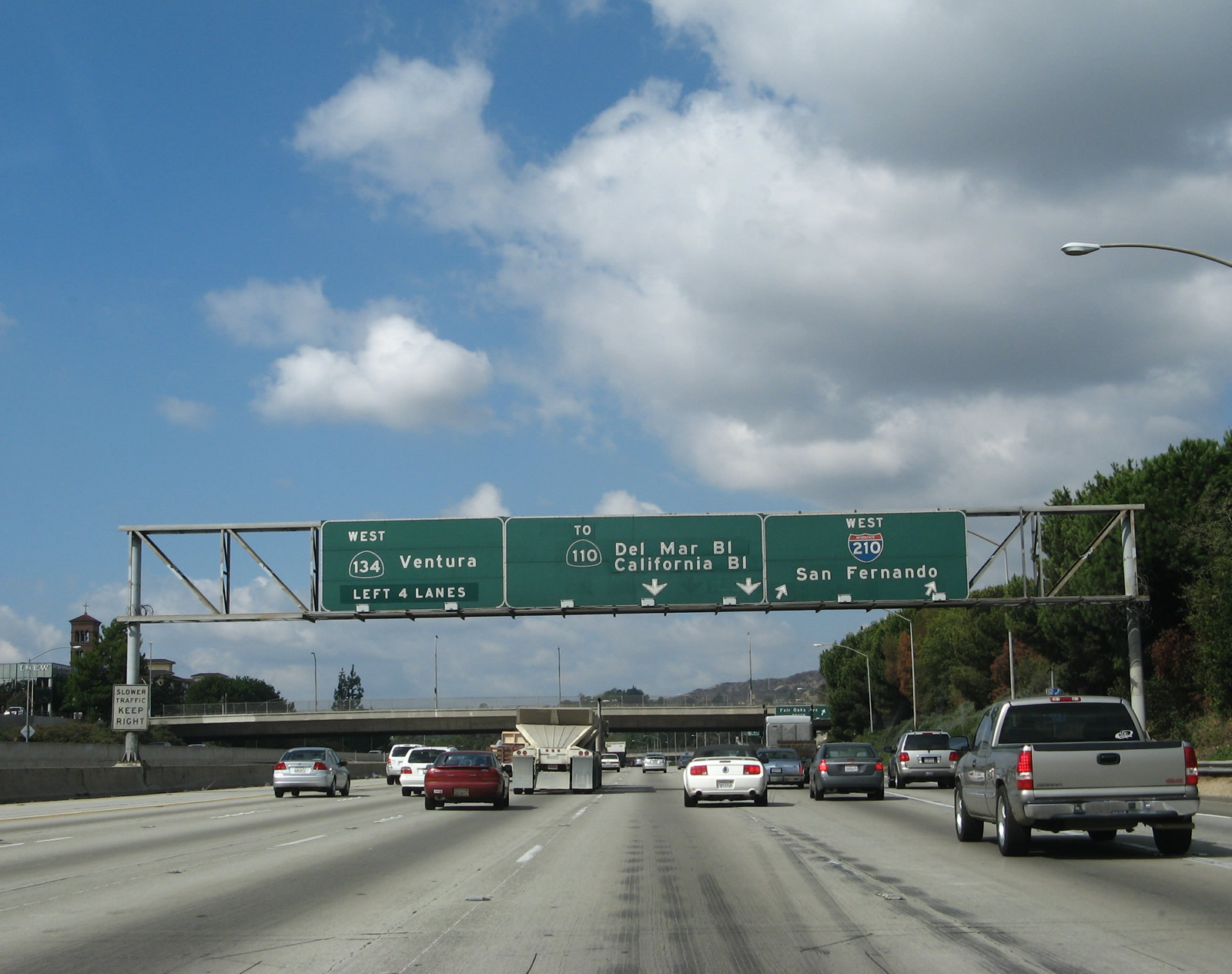 California 134 Ventura Freeway Begins Its Westbound Journey Upon Splitting From Interstate 210 Foothill Freeway At The M Ive Interchange Between