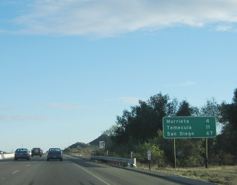 Distance between San Diego, CA and Murrieta, CA