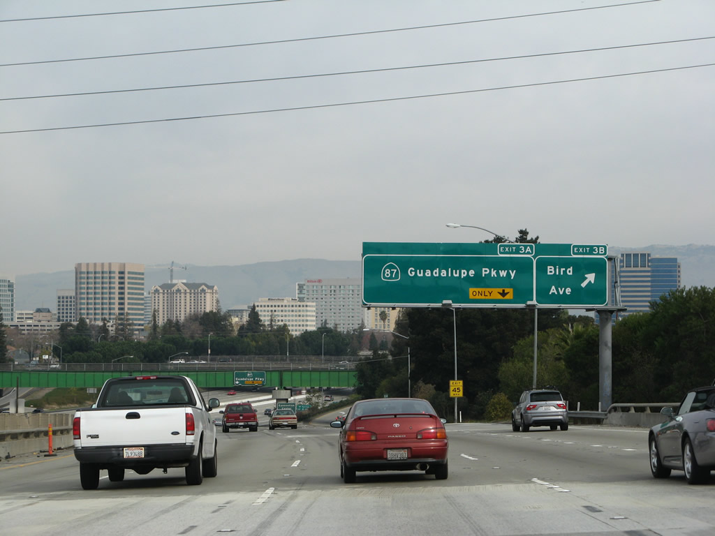 Southbound Interstate 280 Sinclair Freeway reaches Exit