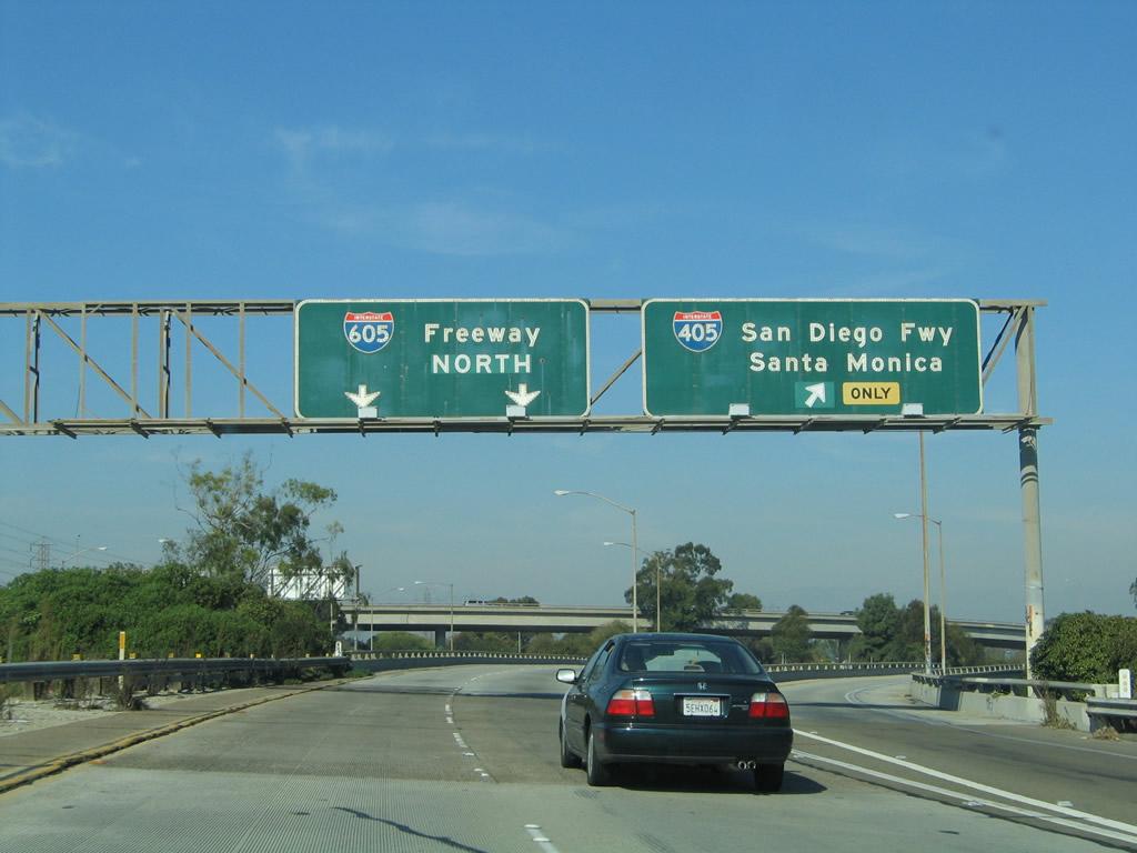 Northbound Interstate 605 San Gabriel River Freeway Reaches Exit 1a Interstate 405 Sango Freeway North To Long Beach Lax Santa Monica