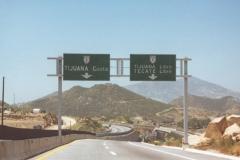 mex-2_2d_sign_bridge