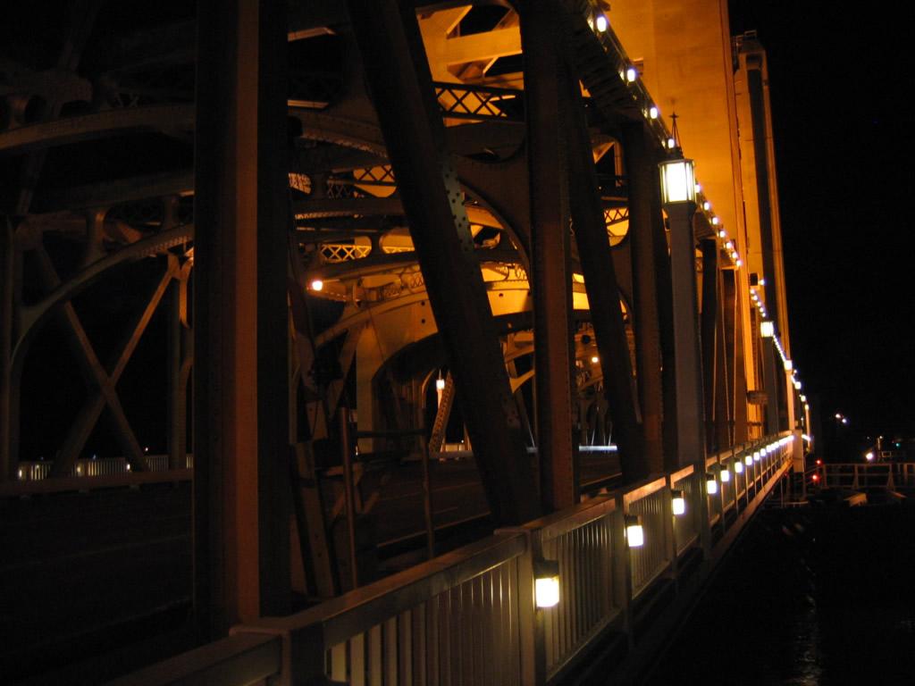 ca-275-tower-bridge-02