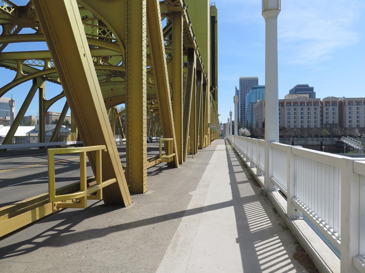ca-275-tower-bridge-03
