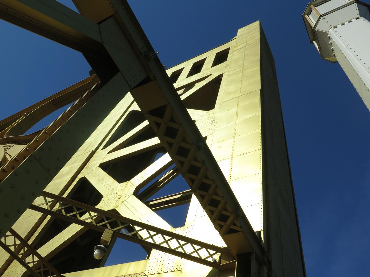 ca-275-tower-bridge-13