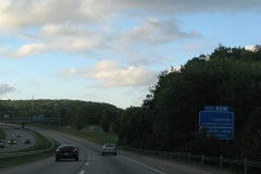 Services sign for Exit 80W