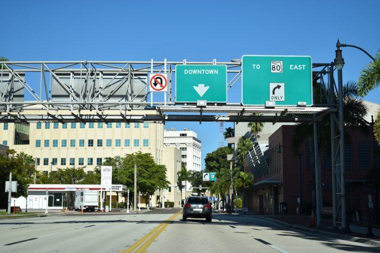 Main St east at Monroe St - Ft Myers, FL