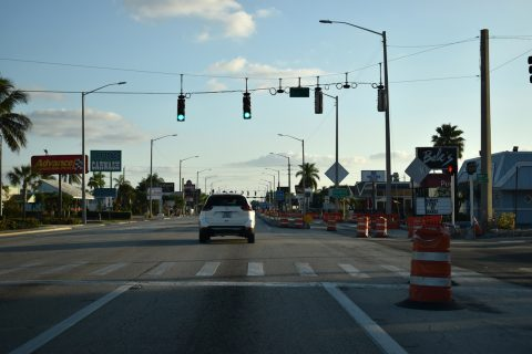 US 41/Cleveland Ave south at Hill Ave - Fort Myers