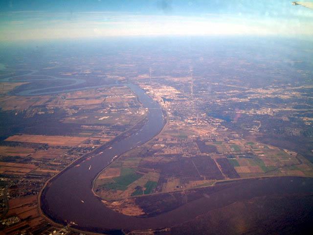 Baton Rouge Aerial Photo - 12-28-02