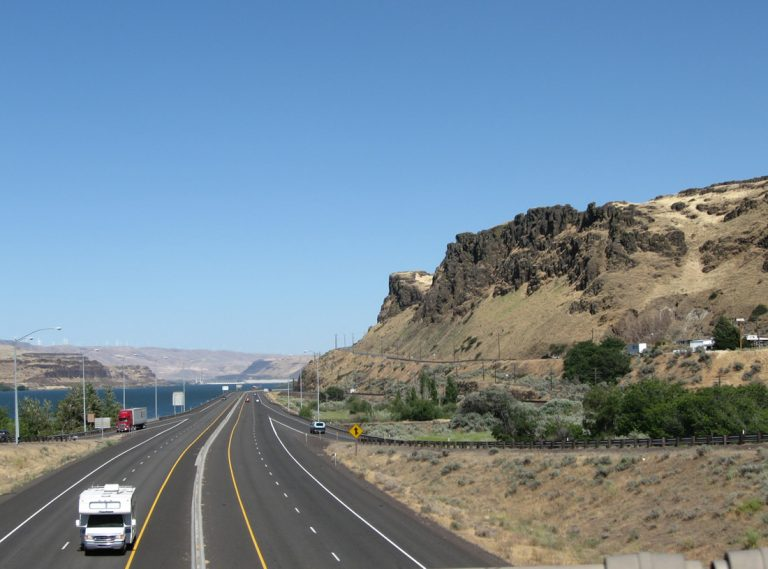 I-84/US 30 at US 97 - Biggs Junction, OR